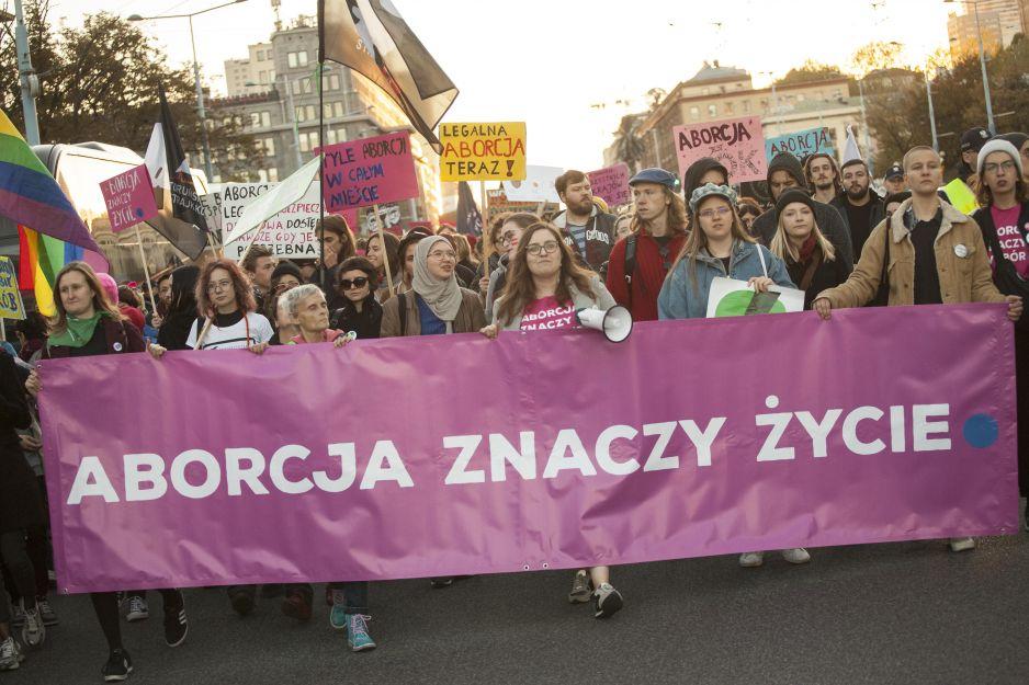 Polacy przeciwko ustawie antyaborcyjnej