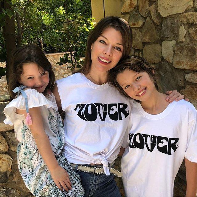 Milla Jovovich z dziećmi