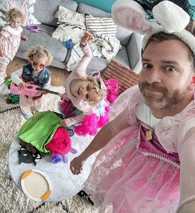 Bloger Simon Hooper pokazał jak naprawdę wygląda ojcostwo