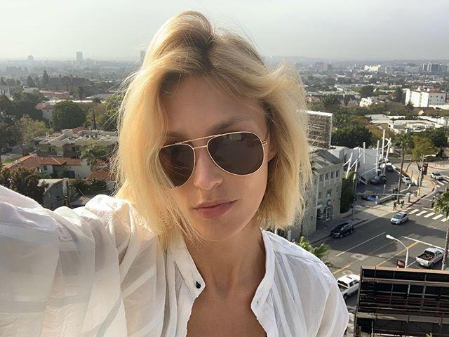 """Anja Rubik szczerze o wczesnych doświadczeniach seksualnych: """"Zabawiałam się z misiem"""""""