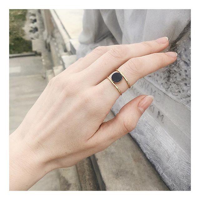 Manicure japoński – sposób na zniszczone paznokcie. Czy można go łączyć z hybrydą?