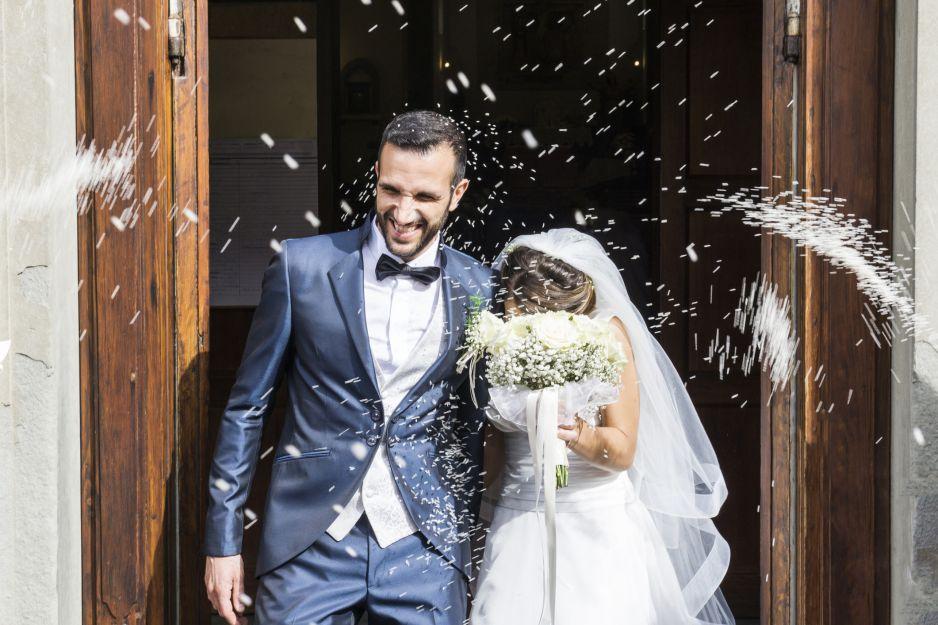 Ile Polacy wkładają do kopert na wesela? Te kwoty zwalają z nóg