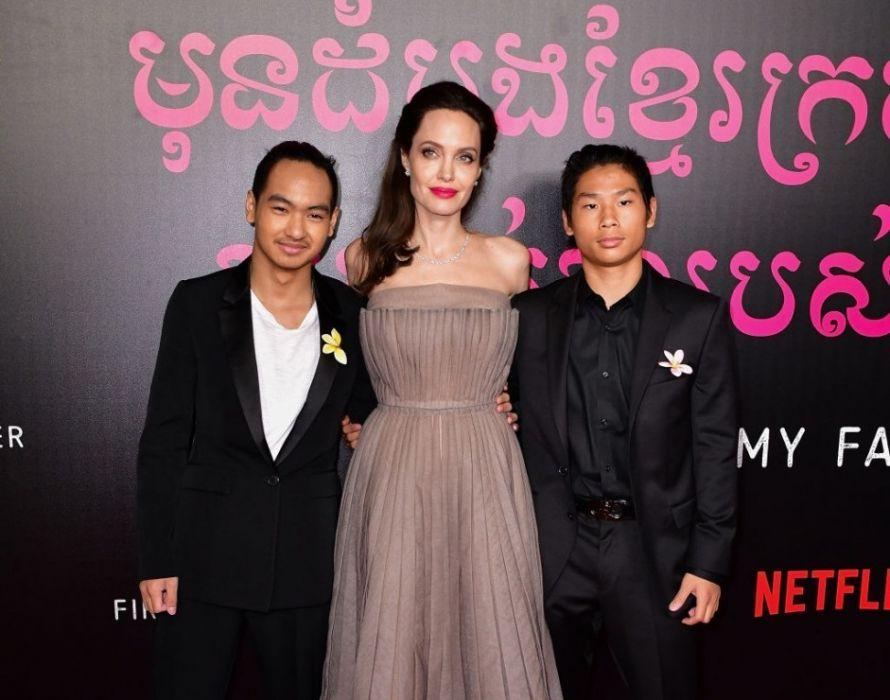 Angelina Jolie z rodziną