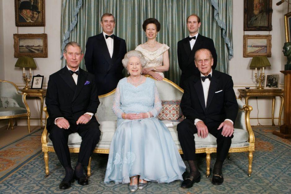 Królowa Elżbieta z dziećmi