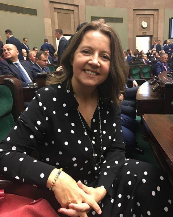 Joanna Lichocka pokazała środkowy palec w Sejmie