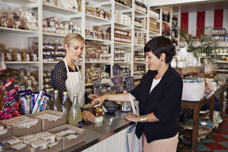 Jak bezpiecznie robić zakupy? 14 zasad Ministerstwa Zdrowia