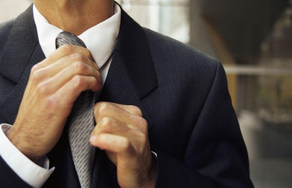 Jak wiązać krawat