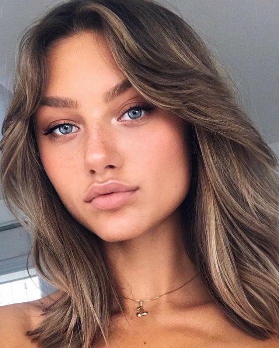 Jak zakryć pory makijażem