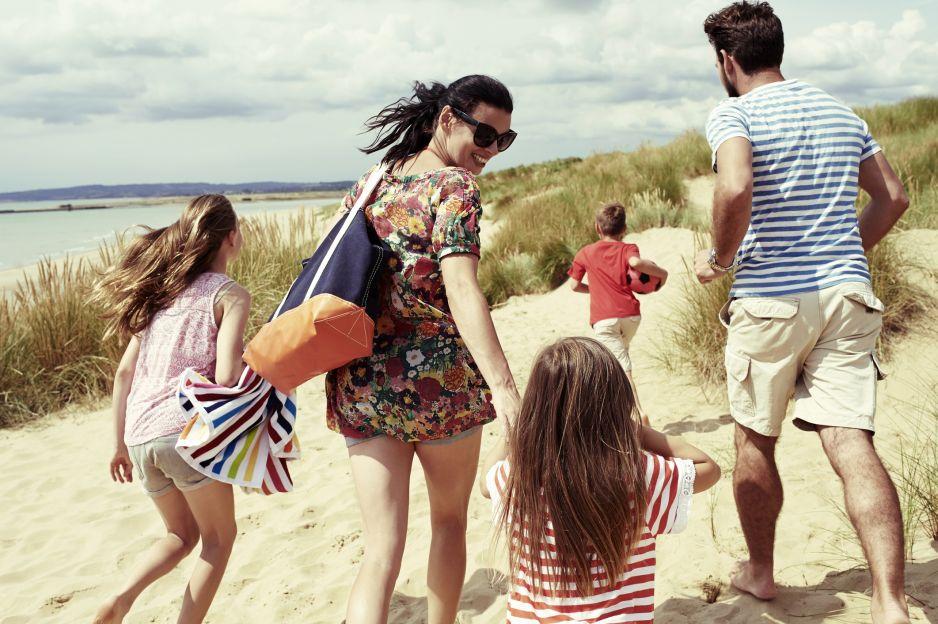 Bon turystyczny 500 plus na wakacje: Dla kogo? Jak z niego korzystać? Do kiedy ważny? [ZASADY]