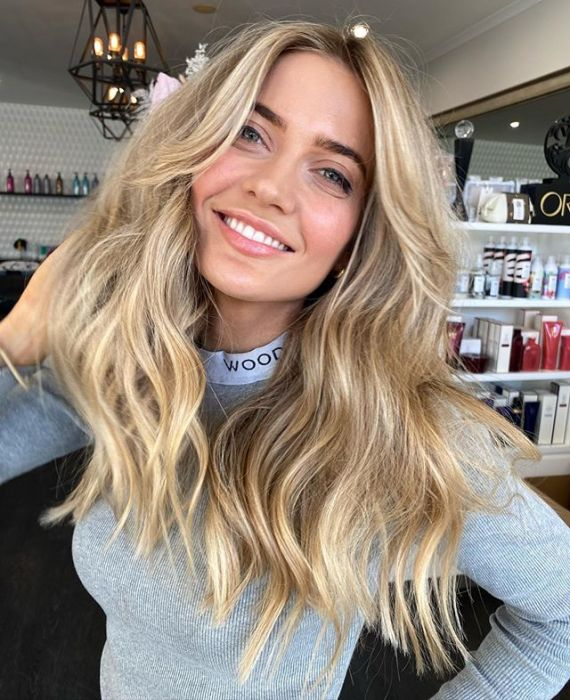 "Modny kolor włosów na lato 2020: ""undone blonde """