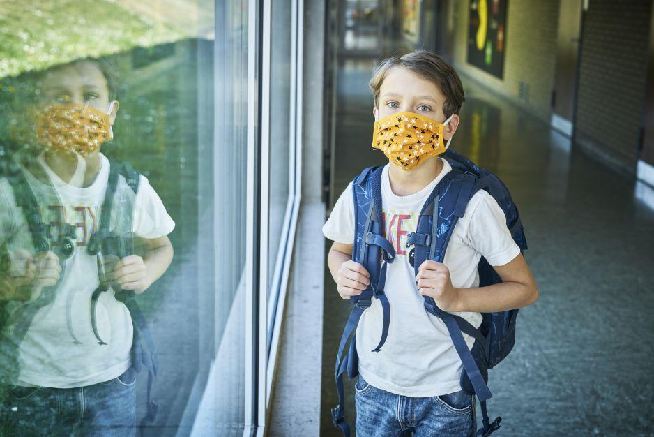 """To oświadczenie w szkołach zmroziło rodziców. Muszą wyrazić zgodę na """"nieodwracalne uszkodzenie płuc lub zgon dziecka"""". C"""