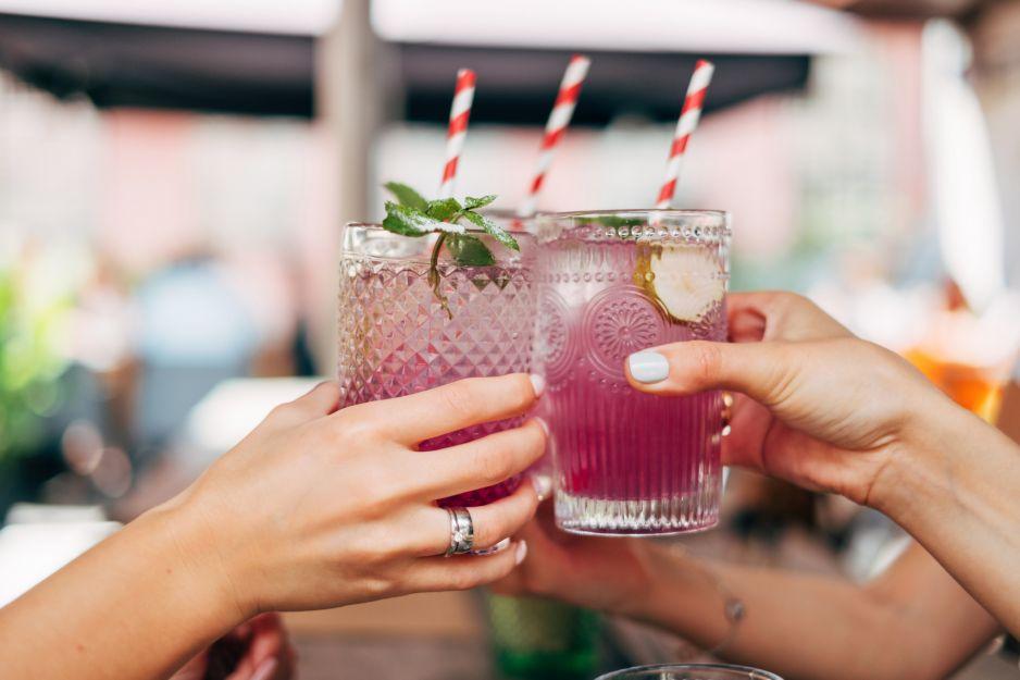 Przepisy na domowe drinki. Jak zrobić dobre i tanie drinki, nie tylko z wódką?