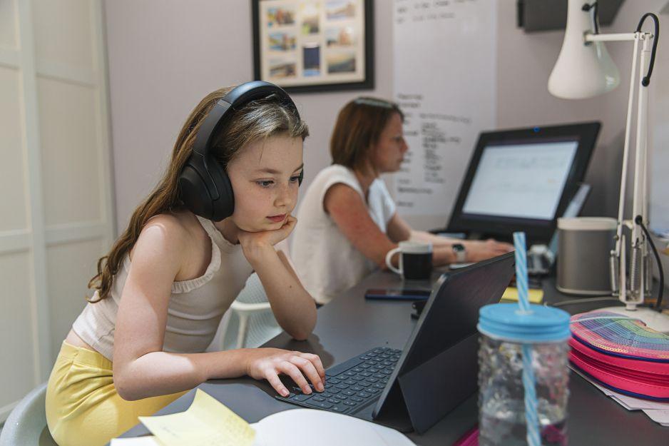 Edukacja zdalna w szkołach: do kiedy? Światowa Organizacja Zdrowia apeluje