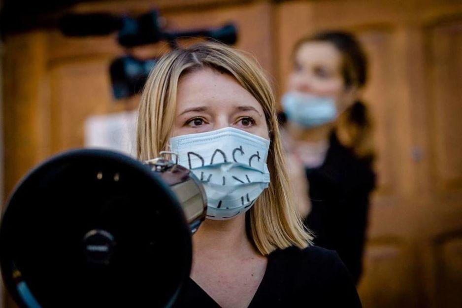 Nauczycielce zaangażowanej w strajk kobiet grozi dyscyplinarka