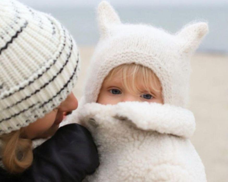Zimowe stylizacje. Kasia Tusk i jej córeczka jak modne misie