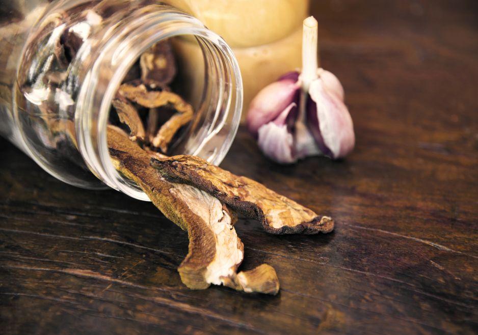 Jak namoczyć suszone grzyby?