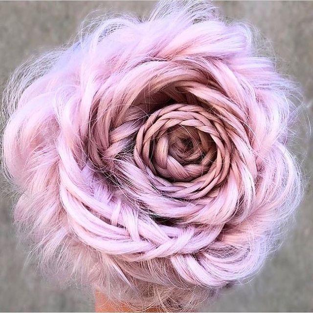 MODNE FRYZURY NA WIOSNĘ: Różyczka z włosów