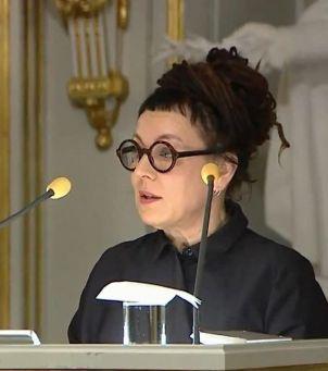 Olga Tokarczuk wygłosiła mowę noblowską: 10 najważniejszych cytatów, które powinnaś znać