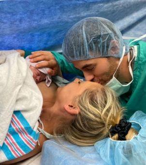 Enrique Iglesias i Anna Kurnikowa: pokazali intymne zdjęcia tuż po narodzinach córeczki