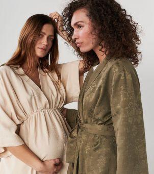 Moda dla kobiet w ciąży i eko moda - jak połączyć te trendy?