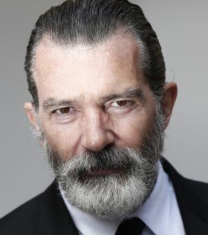 Tom Hanks, Mel Gibson i Antonio Banderas? Kto jeszcze zachorował na COVID?