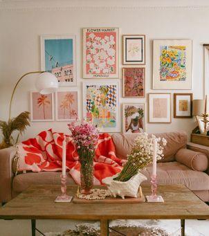 Modne wnętrza 2020 - Aksamitna sofa lub kanapa – inspiracje