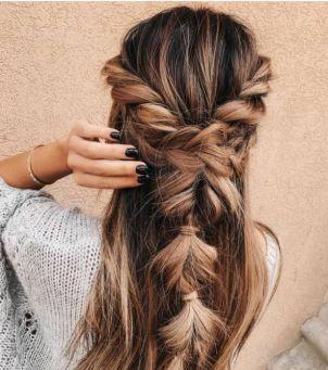 Bajeczne fryzury z warkoczem nie tylko dla Roszpunki