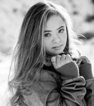 16-letnia nastolatka z Zespołem Downa podbija branżę mody. Niemożliwe stało się możliwe