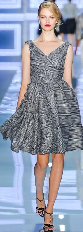2. Zdjęcie  - Sukienka w stylu Audrey Hepburn