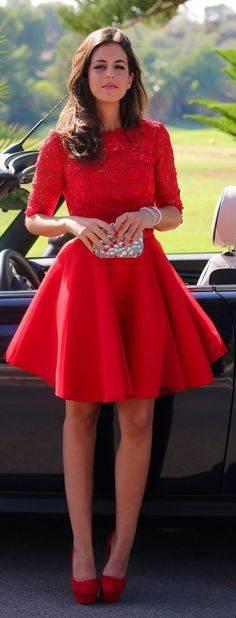 11. Zdjęcie  - Jak nosić czerwoną sukienkę?