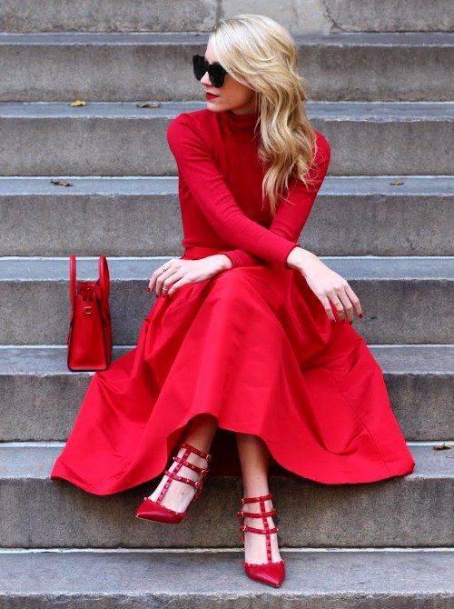 3. Zdjęcie  - Jak nosić czerwoną sukienkę?