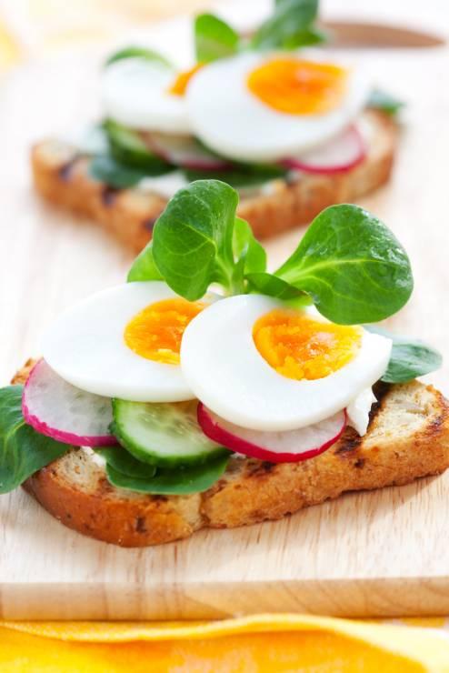 4. Zdjęcie  - 5 przepisów na śniadanie z jajkiem