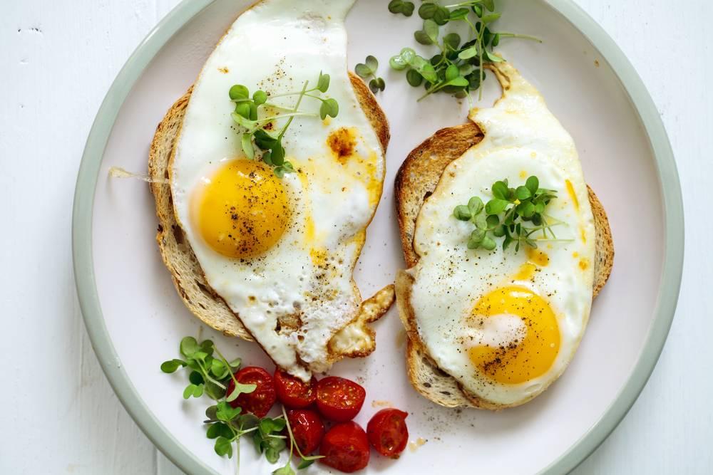 3. Zdjęcie  - 5 przepisów na śniadanie z jajkiem