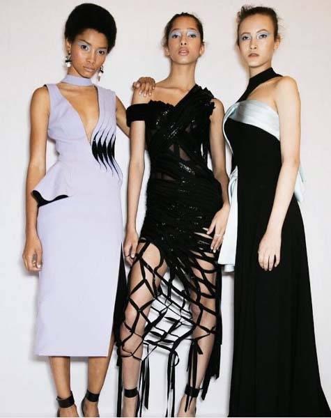 dodatki-do-czarnej-sukienki_01 - Jakie dodatki do czarnej sukienki?