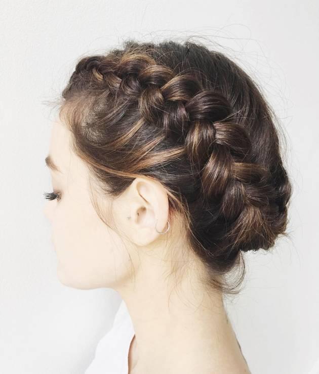 Fryzura ślubna dla krótkich włosów z warkoczem - 17 oszałamiających fryzur ślubnych dla KRÓTKICH włosów