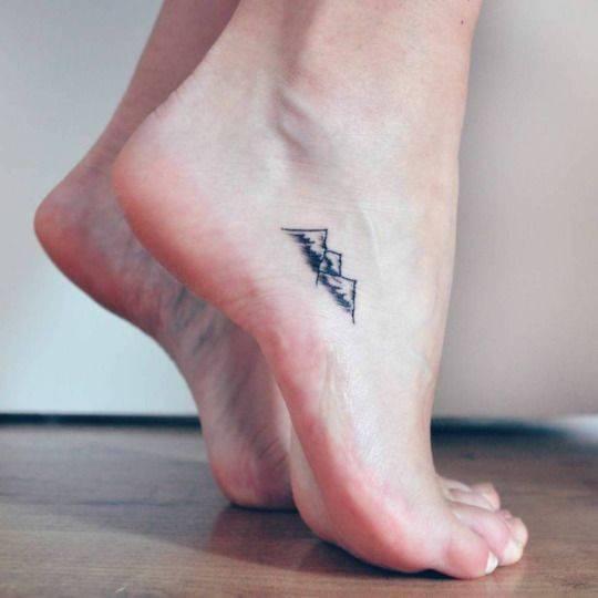 Minimalistyczne tatuaże dla każdego - 15 minimalistycznych tatuaży, które może mieć każdy