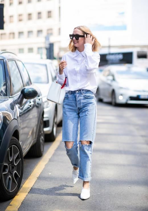 Biała klasyczna koszula - 10 trendów, które zawsze będą modne, a kupisz je na wyprzedaży