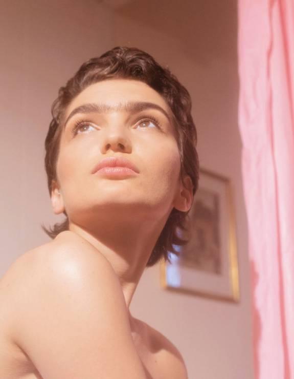 Kampania maszynek do golenia Billie - TA nietypowa kampania maszynek do golenia zadaje kobietom pytanie: golić się czy nie?