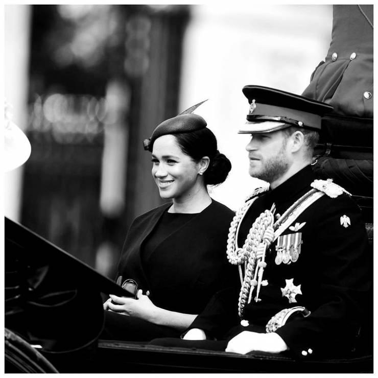 księżna Meghan z Williamem - Meghan Markle po raz pierwszy po porodzie na urodzinach królowej Elżbiety II: jak wyglądała?