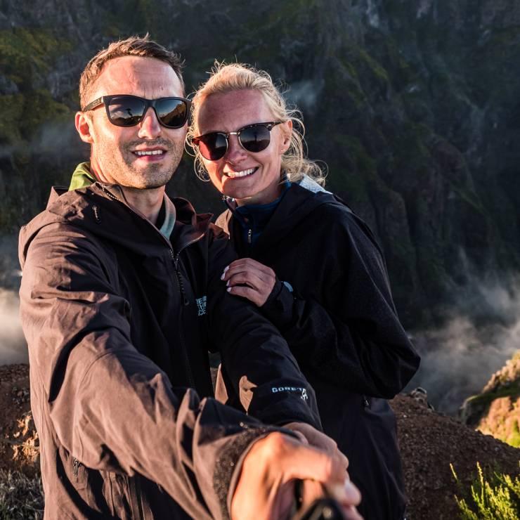 """Anita i Paweł Skowera, prowadzą bloga """"101 Countries Before 50"""" - Najpopularniejsi blogerzy podróżniczy na Instagramie: ich konta warto znać"""