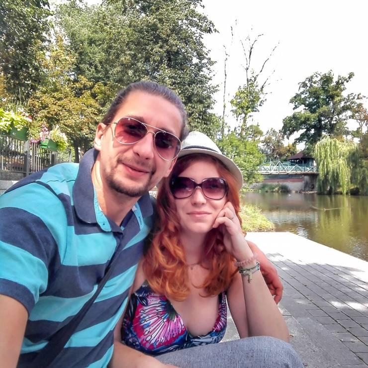 """Anna Żuchlińska i Adrian Czyszyński, prowadzą bloga """"Wszędobylscy"""" - Najpopularniejsi blogerzy podróżniczy na Instagramie: ich konta warto znać"""