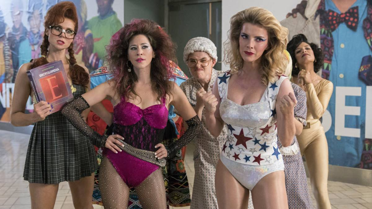 """Netflix nowości na sierpień 2019 - Netflix na sierpień 2019: """"Glow"""", """"Mindhunter"""" """"Derry Girls"""" i inne premiery na które czekacie"""