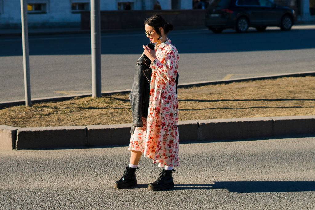 sukienki jesień 2019 - 7 najgorętszych trendów w modzie na jesień 2019