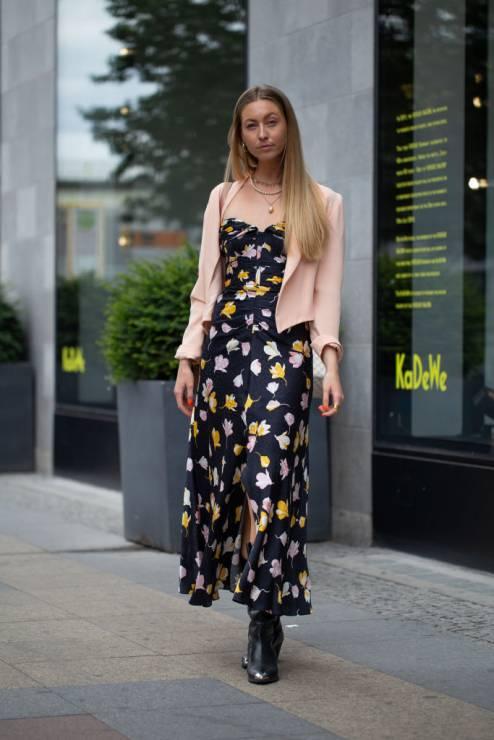 Stylizacje z botkami na jesień - Trendy moda jesień 2019: jakie botki na jesień wybrać?