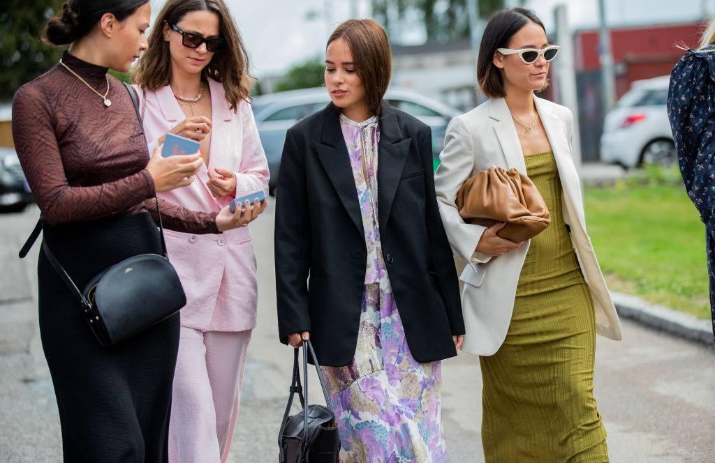 Trendy jesień 2019 - Trendy moda jesień 2019: ciemne kolory na jesień