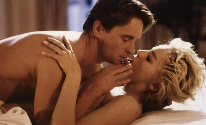 Pozycje seksualne na leżąco - 5 pozycji seksualnych dla osób, które lubią kochać się na leżąco