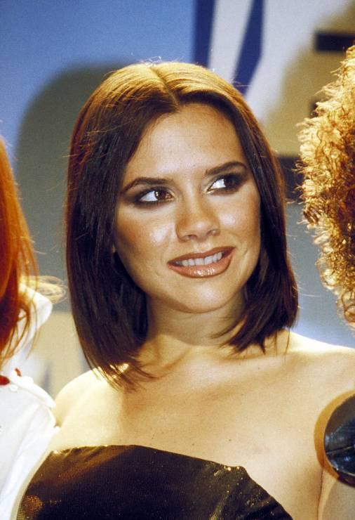 """Victoria Beckham o stylu Spice Girls - Victoria Beckham szczerze o tym, kiedy wyglądała najgorzej: """"Często mniej znaczy lepiej"""""""