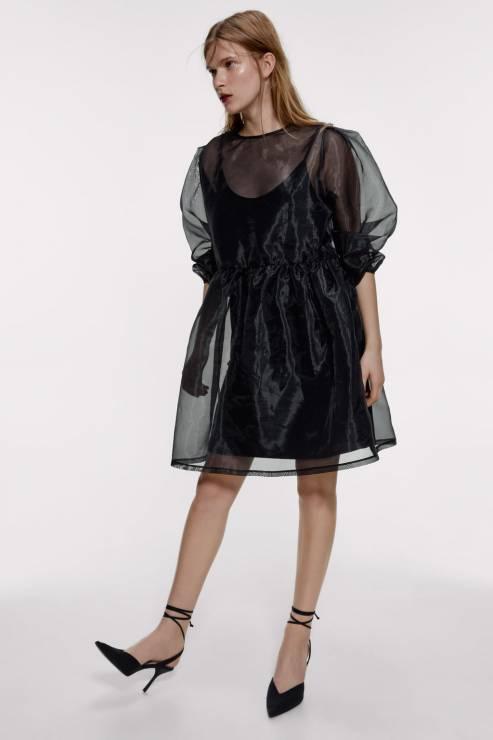Czarna sukienka z organzy; 139 zł - Sukienki na Sylwestra 2019 z sieciówek: nasze typy!