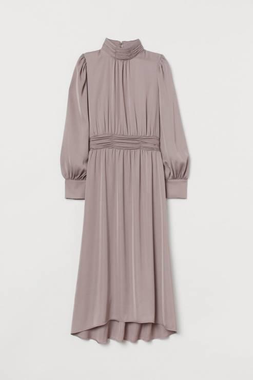 Sukienka H&M; 229,99 zł - Sukienki na Sylwestra 2019 z sieciówek: nasze typy!