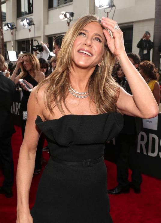 Jennifer Aniston - 5 zabiegów bankietowych gwiazd – oto sekret idealnej cery na czerwonym dywanie